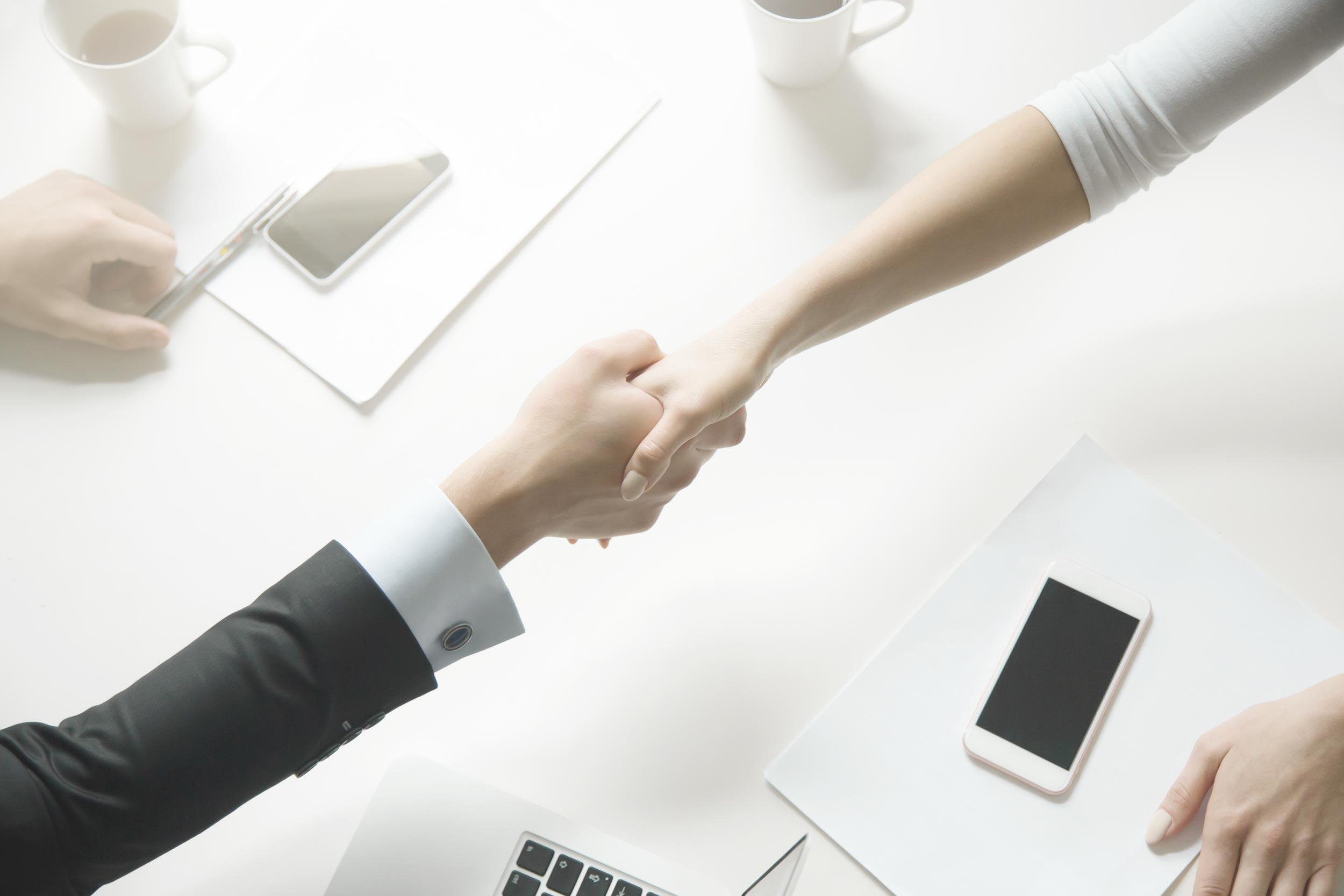 Yritysjärjestelyn kymmenottelu: Osuvilla viesteillä pitempi kaari